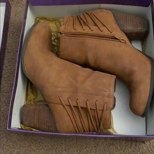 Brown madden girl booties